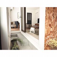 リビング/和室/ヴィンティア/LIXIL/増改築/シンプルな暮らし/... 土間から見る和室とリビング。