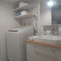 トートー/洗面所/シンプルな暮らし/シンプルインテリア/シンプルライフ/シンプル/... 洗面所💡 タオルと着替えのみ棚に収納✨ …
