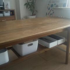 整理収納/片づけ/片付けやすい収納/シンプルな暮らし/すっきり暮らす/小物収納/... リビングテーブルの下も小さな我が家の大事…
