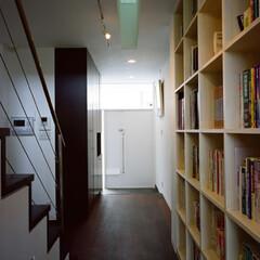 本棚/有効利用 読書家の家にふさわしい大容量本棚。 廊下…