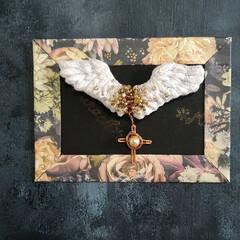 翼/minne/刺繍/ブローチ/天使の翼 minneに出品しました。  天使の翼の…(2枚目)