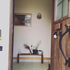シューズクローク/ドライフラワー/玄関/DIY/ナチュラル/間取り/... 我が家の玄関。 pic1:扉開けたら、割…
