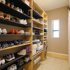 靴箱/玄関収納/ウォクスルー/シューズクローク/IKEA 靴を出しっぱなし、揃えない家族との生活。…