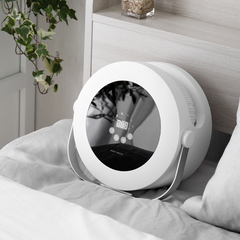 新生活/暮らし/暮らしを整える/おうち時間の過ごし方/ベッドルーム/寝室/... 美しさと機能性を兼ね備えた「布団乾燥機」…(1枚目)