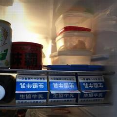 冷蔵庫/収納 冷蔵庫の棚を上から二段目と三段目にセット…