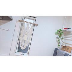マイブーム/マクラメタペストリー/マクラメ編み/マクラメ/igも見てね/DIY/... マイブームのマクラメ編みで キッチン小窓…