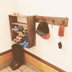 セリア/子供用 子供用靴棚や、鍵掛け。 材料はすべてセリ…
