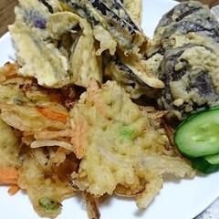 夜ご飯 ❇️なすと椎茸の天ぷら ❇️玉ねぎ、ごぼ…