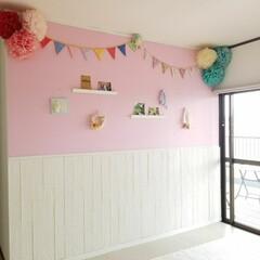ガーリーインテリア/ロンドンインテリア/ドリームクッションパネル/山善/パリのアパルトマン/DIY 3階の他目的ルーム  上半分はピンクでペ…
