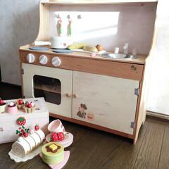古いモノです。/おままごとキッチン/DIY/ハンドメイド/ステンシル/100均の板 むか〜〜し作った おままごとキッチン。 …