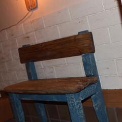 インテリア/エジソンランプ/発泡スチロールレンガ/玄関/手作り/ベンチ/... 座面に流木を使ってベンチ椅子を作りました♪