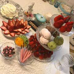 スイーツ/ハンドメイド お家でいちご祭り🍓開催‼️ 左はいちごの…(1枚目)