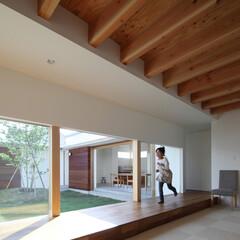 中庭/コートハウス/サイザル麻 中庭に面した子供室 将来二部屋に区切る事…