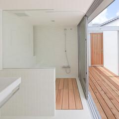 建築/住まい/インテリア/在来浴室/モザイクタイル/シャワーカーテン/... モザイクタイル、ホーロー浴槽の在来工法の…