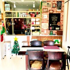 絵本棚/レンガ壁紙/壁紙リメイク/スタバ大好き/クリスマス仕様/こどものいる暮らし/... DIYしたキッチンカウンターの ディアウ…