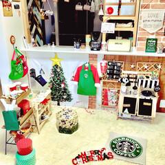 壁紙リメイク/壁紙DIY/こどものいる暮らし/手作りレジスター/すのこ棚DIY/クリスマスインテリア/... リビングのキッチンカウンター下部分に ス…
