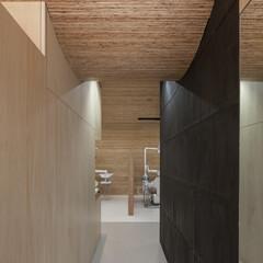 廊下 奥に診察室が見えます。