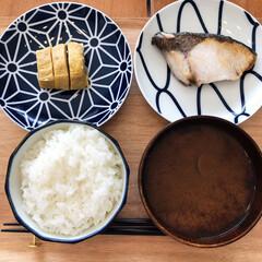 KIHARA KOMON 取皿5枚揃 キハラ(皿)を使ったクチコミ「休日の朝ごはんはなるべく粗食に。最近はブ…」