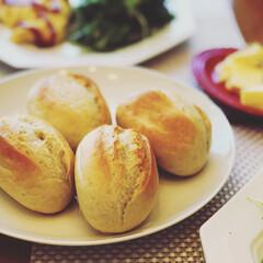 朝ごはん/コストコ/グルメ/パン/食欲の秋 コストコのパンを焼きました🍞 オーブンで…(1枚目)