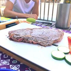テーブルグリル/牛肉/ホットプレート/ステーキ/グルメ/おすすめアイテム/... 友達がテーブルグリルで牛肉を焼いてくれま…