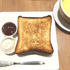 パン/朝食/朝ごはん/グルメ/食パン/俺のベーカリー/... 今日は土曜日にしては早起きをして朝食を食…