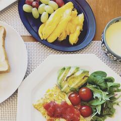 朝ごはん/朝食/マンゴー/フルーツ/グルメ/令和の一枚/... 朝ごはん。マンゴーが安く売られていたので…