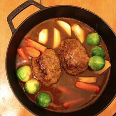 ストウブ 鍋 Staub ブレイザー ソテーパン 24cm ブラック | STAUB(両手鍋)を使ったクチコミ「ストウブで煮込みハンバーグを作りました♪…」