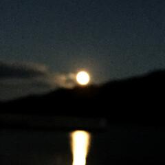 お月様 今日の月が綺麗だったので、息子を迎えに行…