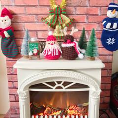 クリスマス雑貨/フェイク暖炉DIY/暖炉型ヒーター/トナカイさん♡/サンタさん♡/編み編み♡/... 昨晩からの〜編み編み❤  ✩サンタさん&…