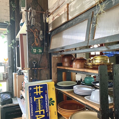 DIY 棚 壁 柱 ツーバイ材用 2×4材用突っぱりジャッキ ユニクロ Walist ウォリスト(その他DIY、業務、産業用品)を使ったクチコミ「おはようございます。  我が家のお皿収納…」