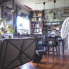 ソファー/珪藻土/カフェ風インテリア/リビングインテリア/apix/扇風機/... こんばんは。  最近の我が家のリビングで…