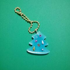 キーホルダー/クリスマス/レジン/フォロー大歓迎/ハンドメイド 息子が作りました。 何か作りたいなあ、と…