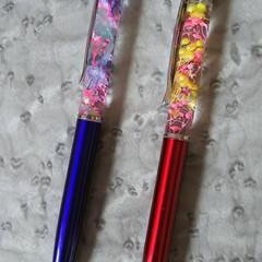 ボールペン/ハーバリウム/ハンドメイド/フォロー大歓迎 久しぶりにハーバリウムペンを 作りました…