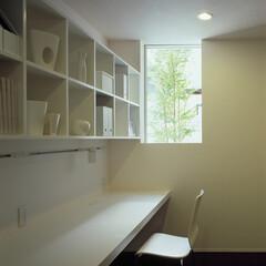 モダン/シンプル/ナチュラル/スタイリッシュ/デザイン/デザイナー/... 地下にある事務所。床レベルを調整すること…