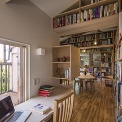 リノベーション/改修/リフォーム/本棚/本/ワークスペース/... 二つ目のワークスペース。本棚に囲まれた住…