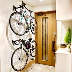 ロードバイク/玄関 玄関にロードバイクを壁掛けしました♩