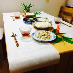 貧相/豪華/雰囲気/アトモスフィアー/笹の葉/お箸/... 哀しいかな。食が細くなった大人しかいない…