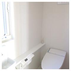 シンプルライフ/モノトーンインテリア/ホワイトインテリア/トイレ/ダイソー/インテリア/...  〈 1階トイレ 〉  掃除が嫌いなので…