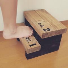 木工/ハンドメイド/男前/インテリア/DIY/ステップ/... シンプルな子供用の踏み台です。 大人が飛…
