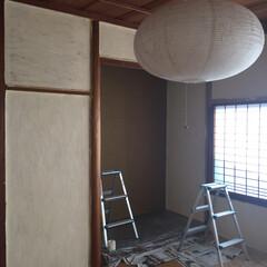 漆喰壁DIY/和室 漆喰DIY 暑すぎて進まず… 下塗りはコ…