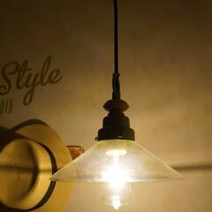 照明器具/後藤照明/エジソン電球/玄関/ペンダントライト 夜の後藤照明+エジソン電球の組み合わせは…