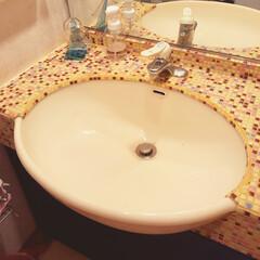 タイル張り 古くなった、洗面所。落ちない水垢をどうに…