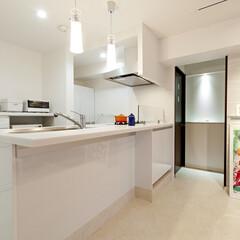 キッチン/システムキッチン/オープンキッチン 空間を贅沢に使ったオープンキッチン。コン…