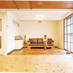 リビング/LDK クラシカルな板張りの床や網戸、板張りの天…