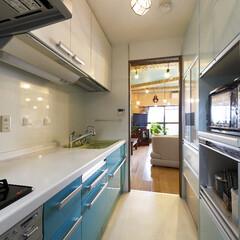 キッチン/システムキッチン 一番のこだわりはターコイズブルー。いくつ…