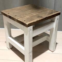 踏み台兼イス/踏み台/日曜大工/スツール/椅子 /DIY キッチンの半分の高さで作ったスツール。 …
