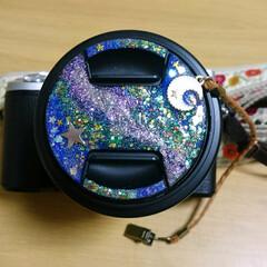 マニキュア/一眼レフカメラ/宇宙塗り/レンズキャップストラップ/レンズキャップ/手作りアクセサリー 一眼レフカメラのレンズキャップを宇宙塗り…