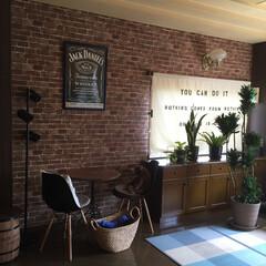 壁紙 リビングの壁紙を張り替えて一気にカフェ気…
