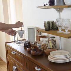 キッチン/木/木材/テーブル/チェア/スツール/... カップボードのカウンターは「朝のセット」…