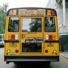 スクールバス/スクールバス空間設計/リノベ/リノベーション/おしゃれ空間/快適な暮らし/... 子どもたちを乗せて目的地である学校まで走…